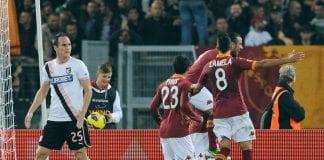 L'esultanza dei giocatori della Roma dopo il gol di Francesco Totti Giuseppe Bellini Getty Images Sport