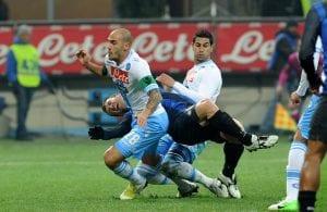 Paolo Cannavaro in contrasto su Cassano | ©Dino Panato/Getty Images