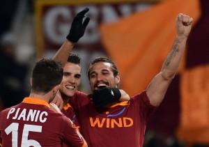 Festa Roma all'Olimpico contro il Milan | ©ALBERTO PIZZOLI/AFP/Getty Images