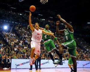 Quattro triple per Gianluca Basile ieri sera   ©Roberto Serra/Iguana Press/Getty Images