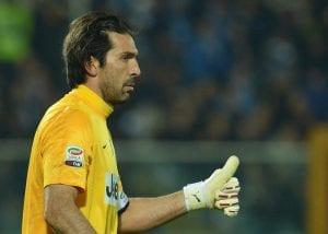 Buffon rinnova con la Juventus fino al 2015 | © LBERTO PIZZOLI/AFP/Getty Images