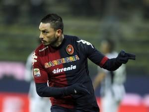 Pinilla dovrebbe ritrovare la maglia da titolare contro la sua ex squadra © Claudio Villa/Getty Images