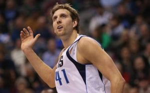 Il ritorno di Nowitzki non basta ai Mavericks | ©Ronald Martinez/Getty Images