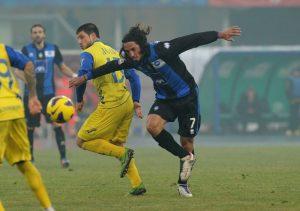 Schelotto in azione con la maglia dell'Atalanta © Dino Panato/Getty Images