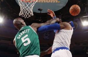 Kevin Garnett vs Carmelo Anthony | ©Bruce Bennett/Getty Images