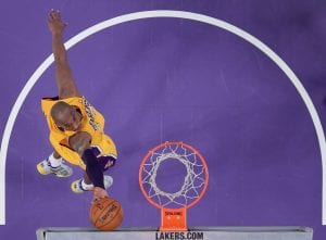 Clamoroso Kobe Bryant con 14 punti, 14 assist e 9 rimbalzi | ©Harry How/Getty Images