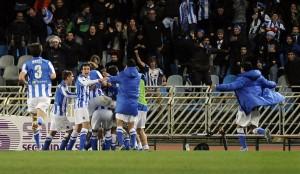 Esultanza del Real Sociedad al fischio finale © RAFA RIVAS/AFP/Getty Images