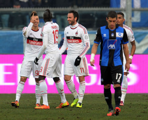 El Shaarawy festeggia con Niang e Pazzini il gol vittoria   © Giuseppe Bellini/Getty Images