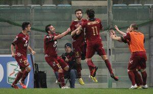 La Reggina esulta dopo il gol di Comi © Maurizio Lagana/Getty Images