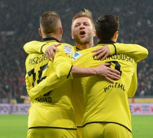 Il Borussia Dortmund batte il Leverskusen per 3-2 ed è secondo | ©  PATRIK STOLLARZ/Staff / Getty Images