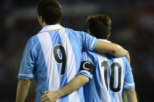 Messi e Higuain | © DANIEL GARCIA / Getty Images