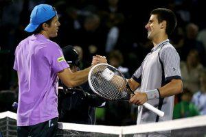 Djokovic saluta Hass ©Matthew Stockman/Getty Images