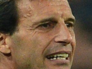Lotta al terzo posto, testa a testa Milan-Fiorentina   ©  GIUSEPPE CACACE AFP/Getty Images