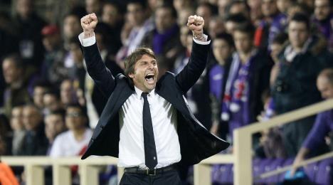 Antonio Conte esulta al fischio finale di Fiorentina-Juventus | Foto Twitter / Il Pallonaro