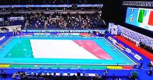 Kombank Arena tinta di azzurro